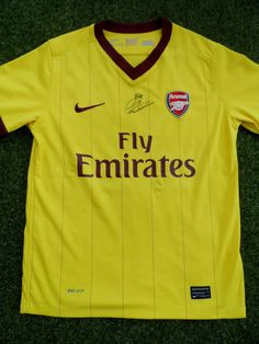 Football kit Chelsea Away 20172018 Alex oxlade chamberlain hand signed  arsenal away football shirt - coa autogra 827cd5b94