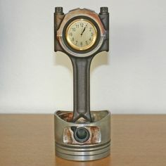 Piston Desk Clock  Jose would looove this!