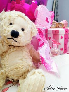 Clover House: A Small Pink Valentine Vignette
