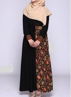 Batik Fashion, Abaya Fashion, Muslim Fashion, Fashion Wear, Fashion Dresses, Blouse Batik, Batik Dress, Model Dress Kebaya, Batik Muslim