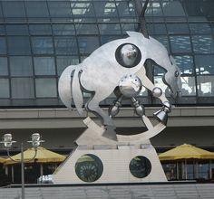 """""""Rolling Horse"""" sculpture by Juergen Goertz in front of the Berlin Hauptbahnhof"""