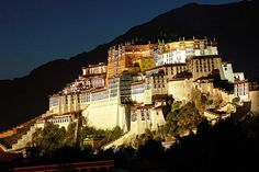 Lhasa, Tibet: I want to go here with Mom! Lhasa, Dalai Lama, Beautiful World, Beautiful Places, Amazing Places, Le Tibet, Tibetan Buddhism, Famous Places, Hotels