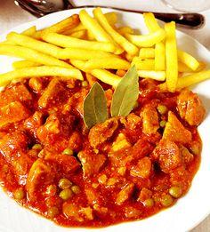 Fläskgryta med tomat | Recept från Köket.se Chana Masala, Stew, Slow Cooker, Pork, Lifestyle, Cooking, Ethnic Recipes, Kale Stir Fry, Kitchen