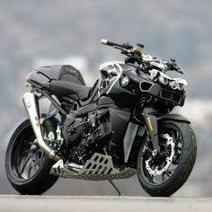 Naked BMW motorbike - Zombie apocalypse bike?