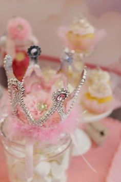 http://www.birthdaypartyideas4u.com/bling-princess-first-birthday-party/