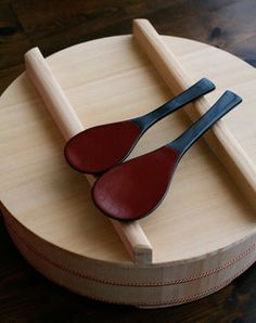Wooden Japanese Sushi-Oke Bucket and Shamoji Paddles|寿司桶としゃもじ