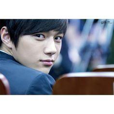 Kim Myungsoo why so cute?????