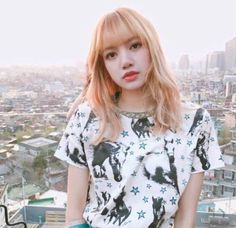 blackpink in your area Blackpink Lisa, Jennie Blackpink, Kpop Girl Groups, Korean Girl Groups, Kpop Girls, Forever Young, Lisa Hair, Jenny Kim, Peinados Pin Up