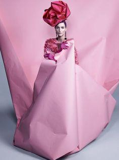 Publicação: Vogue Brasil Fevereiro 2014 Modelo: Zuzanna Bijoch Fotógrafo: Zee Nunes Editor de Moda: Pedro Sales Beauty: Silvio Giorgio