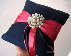 Flower Girl Basket and Wedding Ring Pillow от LaceyClaireDesigns