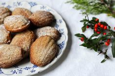 The Spoon and Whisk: Gingerbread Madeleines