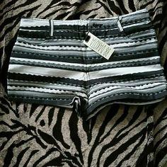 Shorts Cute black and white shorts BB Dakota Shorts Skorts