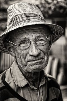 """Humble"" by Osher Partovi. Old face, wrinckles, aged, glasses, hat, lines of Life, cracks in time, powerful, intense, strong, emotionel, portrait, photo b/w"