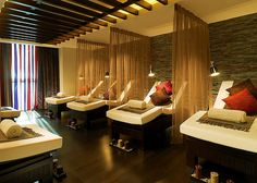 Relaxation Room concept - multiple lounges with a light barrier between. Massage Room Design, Massage Therapy Rooms, Spa Interior Design, Spa Design, Spa Room Decor, Home Decor, Spa Treatment Room, Spa Lighting, Relaxation Room