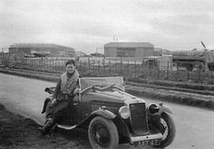 Thursday 25 July 1940 Searching the skies for Germany paratroopers, a soldier stands in a standard armored Beaverette reconnaissance c. Vintage Cars, Antique Cars, Raf Bases, Veteran Car, Battle Of Britain, Paratrooper, 24 Years Old, World War Two, Classic Cars