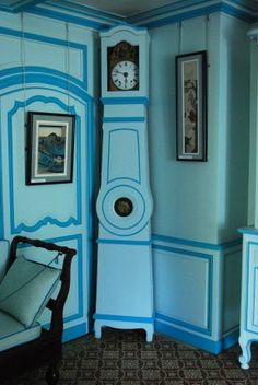 The blue sitting room where Alice read to the children.  Monet loved colors so he chose all the colors for the house.