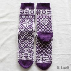 Ravelry: Selbu i mitt hjerte Sokker pattern by StrikkeBea Mitten Gloves, Mittens, Knitting Socks, Knit Socks, Ravelry, Pattern, Craft Ideas, Projects, Blog