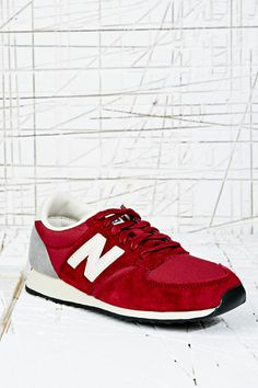 New Balance 420 Runner Suede Trainers in Red