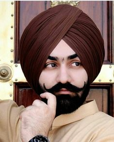 Nav Punjabi Men, Beard Grooming, Modern Outfits, Color Theory, Desi, Handsome, Menswear, Turbans, Fashion Outfits