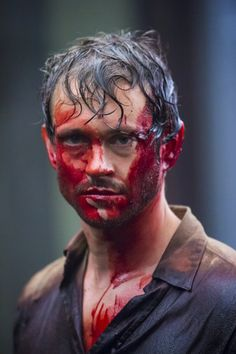 Hannibal S3 BTS: Hugh Dancy (man, that pie-eating contest got a little out of control, huh?)