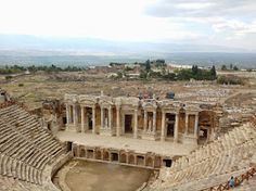 Photo Pamukkale, Roman, Greek, Cabin, House Styles, Home Decor, Decoration Home, Room Decor, Cabins