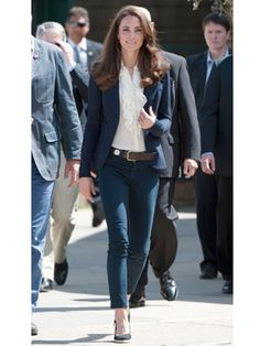 Loved this outfit! Blazer + skinny jeans = WIN for this generation's new royals.
