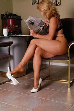 Sexy crosed leg movies