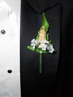 Morel Mushroom Boutonniere! The guys at our wedding will definitely be wearing this, or a variation of this!! Getting SOOO excited (:
