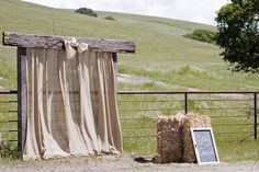 burlap altar or photobooth, just attach some white flowy fabric or drape lace Burlap Backdrop, Ceremony Backdrop, Burlap Curtains, Hang Curtains, Burlap Background, Ceremony Seating, Outdoor Ceremony, Outdoor Photo Booths, Outdoor Photos
