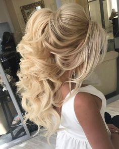 Best Ideas For Wedding Hairstyles : Featured Hairstyle:Elstile; Wedding Hairstyles For Long Hair, Wedding Hair And Makeup, Up Hairstyles, Pretty Hairstyles, Hair Makeup, Bridal Hairstyles, Teenage Hairstyles, Hair Wedding, Curly Hair Styles Wedding