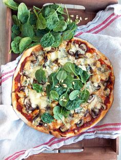 Chicken, Mushrooms and Blue Cheese Pizza @FoodBlogs