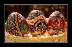 Romanian Easter eggs created by the application of special colored waxes. Hoppy Easter, Easter Eggs, Egg And I, Faberge Eggs, Egg Art, Egg Decorating, Holiday Festival, Cool Pictures, My Design
