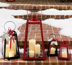 Gorgeous holiday decor for entry