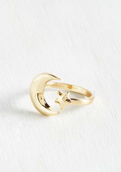 Moon and Shake Ring. For personal style worth movin and groovin over, slip this golden ring onto one of your digits and take on the town! #gold #modcloth