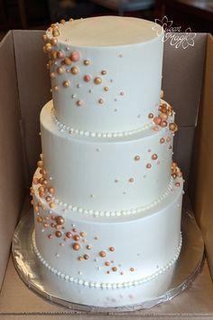 Gold Fondant, Gold Cake, Fondant Cakes, 90th Birthday Cakes, White Birthday Cakes, Wedding Cake Pearls, Wedding Cakes, Cookie Decorating, Decorating Tips