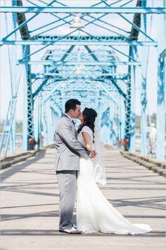 wedding kiss captured by Dabble Me This #weddingkiss #weddingphotography #weddingchicks http://www.weddingchicks.com/2014/03/14/charming-chattanooga-wedding/