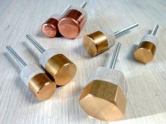 Paire de boutons de porte - cuivre ou laiton et ciment - style industriel