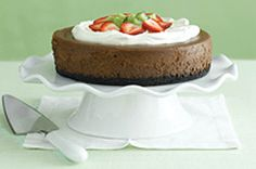 Our Best Chocolate Cheesecake – For your friends and family, nothing but the best will do. When it comes to dessert, this rich, creamy chocolate cheesecake with an Oreo Cookie crust tops the list. Kraft Foods, Kraft Recipes, Chocolate Cheesecake Recipe Kraft, Amazing Chocolate Cake Recipe, Best Chocolate Cake, Chocolate Heaven, Chocolate Cream, Chocolate Chips, Köstliche Desserts