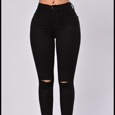 The Canopy Jeans Black slit knee skinnies. I ordered a size too big I need a 5 in these...price is firm. Fashion Nova Jeans Skinny