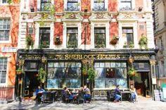 Sherlock Holmes Pub, London. www.kevinandamanda.com #travel #london