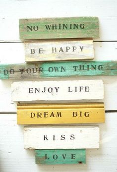 A little reminder goes a loooong way. Stay happy <3