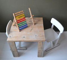 Marktplaats.nl - Leuk klein kindertafeltje steigerhout - Kinderkamer | Tafels en Stoelen