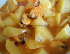 Receta de Patatas Guisadas con Mejillones / Recipe of Stewed Potatoes with Mussels Patatas Guisadas, Stewed Potatoes, Mussels, Cantaloupe, Macaroni And Cheese, Garlic, Fruit, Vegetables, Ethnic Recipes