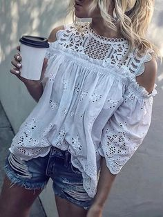 Emilie™ the Gorgeous Off-Shoulder Top Emilie™ the gorgeous Top that's blowing people's minds 💘💘 🔖 Off Flash Sale 🔖 Get it TODAY! Emilie™ the Gorgeous Off-Shoulder Top Fashion Mode, Boho Fashion, Fashion Outfits, Womens Fashion, Fast Fashion, Mode Hippie, Mode Boho, Blouse Sexy, Blouse Outfit