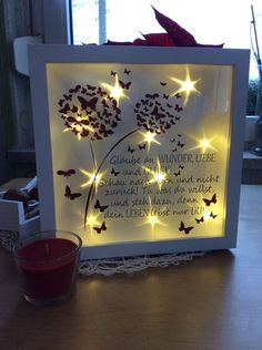 Lighted picture Frame Beleuchteter Bilderrahmen The post Lighted picture Frame appeared first on Fotowand ideen. Green Wall Decor, Licht Box, Outdoor Flowers, Diy Mirror, Living Room Pictures, Gold Texture, Diy Frame, Diy Accessories, Picture Frames