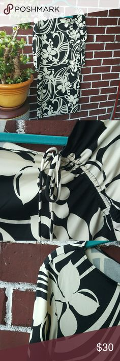 Maggy London Stretch dress Form fitting stretch dress. Never been worn Maggy London Dresses