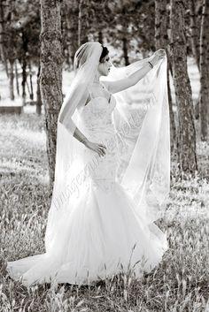 Image and Sound Expert – fotograf nunta constanta, sedinta foto nunta – portret … - brautkleidvintag Bride Portrait, Light And Shadow, One Shoulder Wedding Dress, Black And White, Wedding Dresses, Shadows, Image, Lights, Fashion