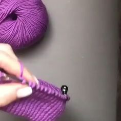 knitting a fixed cuff Knitting Techniques knitting methods Love Knitting, Knitting Paterns, Knitting Videos, Knitting For Kids, Easy Knitting, Knitting Designs, Knitting Projects, Crochet Stitches, Crochet Patterns