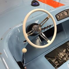 1967 bench seat hornet v drive donzi the ultimate v drive prior to looking in the helm and casale v drive in bb a swarovskicordoba Image collections