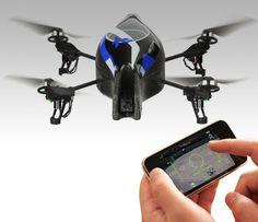 OAR.Drone, um helicóptero de brinquedo com quatro hélices que você controla pelo iPhone, iPod touch ou iPad.As 4 hélices permitem movimentos estáveis e suaves.O brinquedo possui duas câmeras de vídeo, uma na frente e outra na parte de baixo do helicóptero, dando ao controlador o vídeo captado em real time. A conexão é wi-fi o que garante o vídeo com qualidade e o controle preciso. Ele vem acompanhado de duas carcaças: uma para ambientes abertos e outra para fechados, protegendo a hélice…